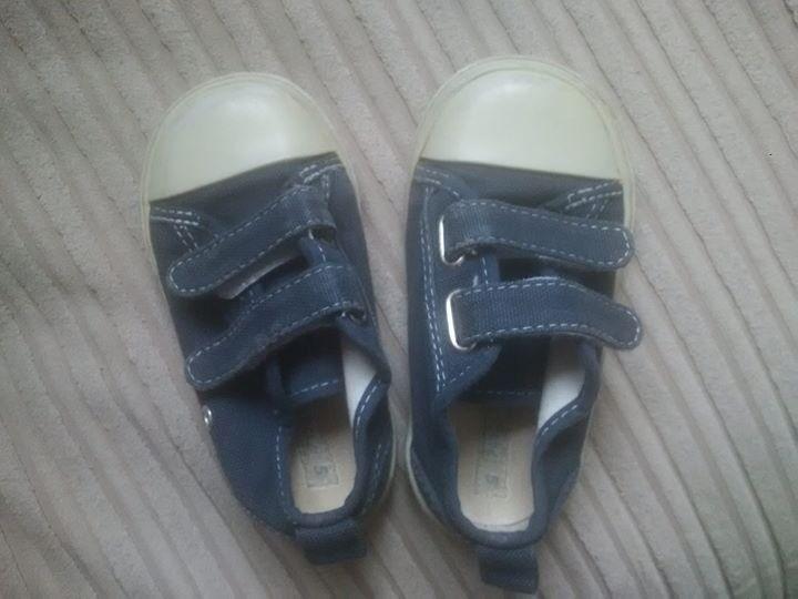 Boys Shoes from Jojo Mama bebe size 5