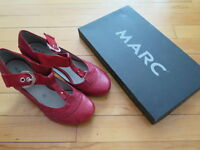 Very nice almost new shoes size 6