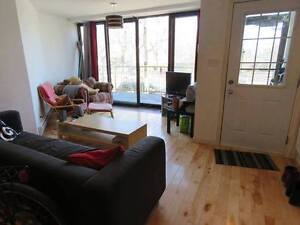 3 rooms available for lease transfer - NOV 1