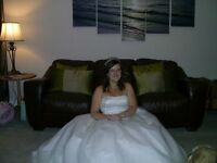 White prom dress/wedding dress amazing condition worn once