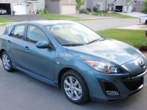 2010 Mazda3 Sport GS Hatchback + Winter Tires on rims