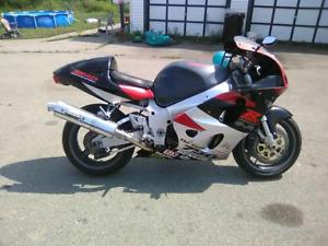 1998 gsxr 750
