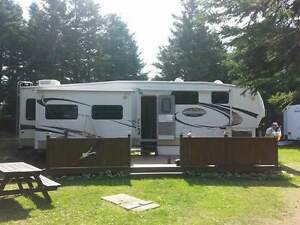 Fifth Wheel 2009, 36'
