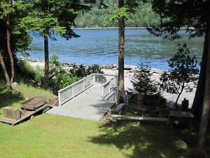 Gulf Island Waterfront Home near Nanaimo