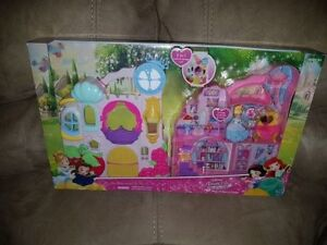 Disney Princess Little Kingdom Play and Carry Castle