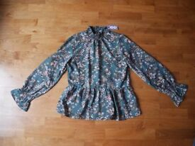 Green blouse PIECES - size L - brand new with tags