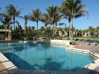 NAPLES Florida - 3 Bedroom Condo - Resort Style Gated Community