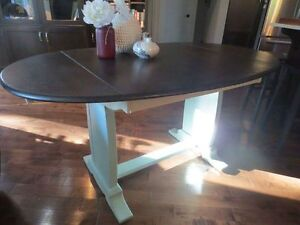 Annie Sloan Chalk Painted Table & 3 chairs London Ontario image 2