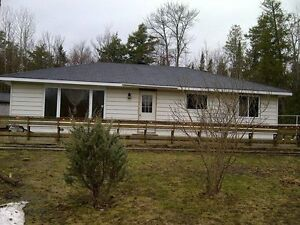 3 Bedroom House For Rent in Goulais River