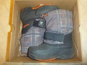 Kamik winter boot boys size 11 EUC