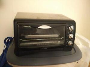 6-Slice Black & Decker toaster oven, moderate use