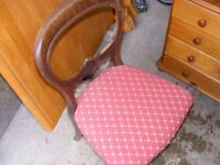 Single upholstered chair