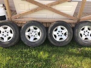 pneus été avec mags d'origine silverado 2004