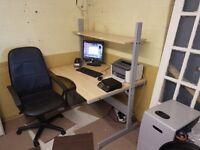 Height adjustable computer desk / table
