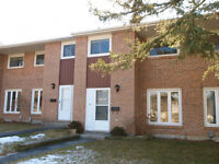 Professional Welcome Kitchener Room Close to 401 Conestoga Doon
