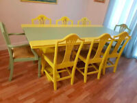 dining table and 8 chairs for £250 or best offer