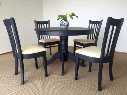 Port Macquarie Dining Table And 4 Chairs