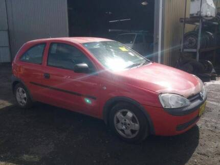 Holden Barina xc wrecking all parts