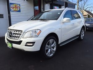 Looking for White ML350 2011 Mercedes SUV