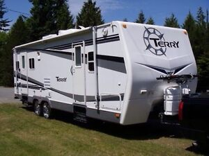 25' terry trailer, Fort McMurray fires