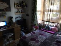 room in London Stratford for Hungarian couple
