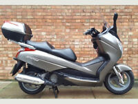 Honda S wing 125 in bronze, One owner with 2350 Miles!