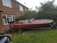 *available* Speedboat with a Vintage 1972 Johnson 50HP outboard evinrude OPEN TO OFFERS!