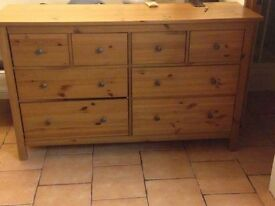 Kitchen island / Cupboard £60-£50-£40 make an offer