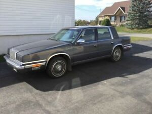 Auto de collection Chrysler Landau 1988