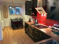 Room to rent in friendly professional house share. All bills included £500 PCM