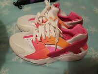 nike huaraches ladies/juniors size 5