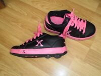 Wheel shoes Hellies Shoes trainers sport girls size 2