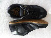 DVS COMANCHE black trainers