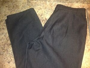 New Women's Haggar Black Jeans Petite size 10 - retails for $60