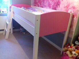 Pink and white midi sleeper in excellent condition
