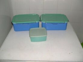 Plastic Sandwich Boxes and Mixing Bowls