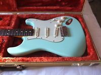 Fender Stratocaster 60's Classic Lacquer + Tweed Case Electric Guitar - Surf Green Baby!