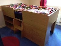 Single solid wood cabin bed