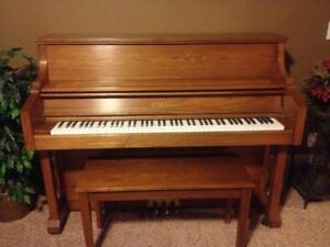 PIANO-upright  make / manufacturer: KIMBALL, NO chipped keys