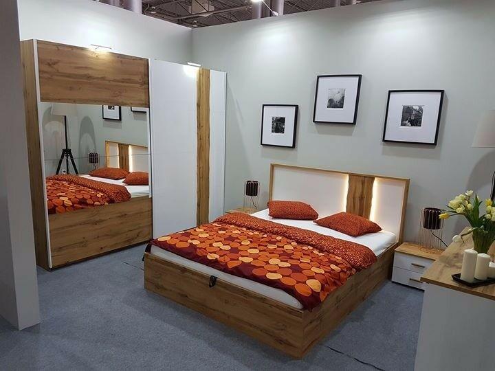 VOSS   5 Piece Bedroom Furniture Set With King Size Bed. Delivery Available