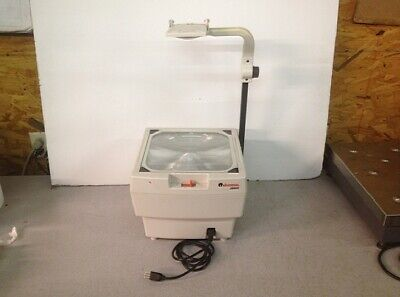 Universal Model 38900 Portable Overhead Projector