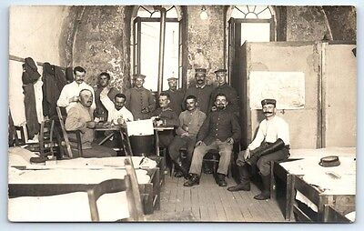 ANTIQUE Vintage WW1 GERMAN Real Photo RPPC Postcard SOLDIERS PLAYING CARDS