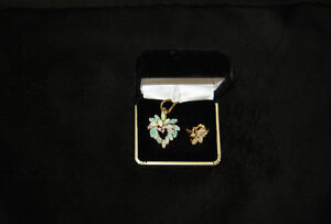 Vintage Estate pieces- Gold,Opal, Diamond - pendant & ring set