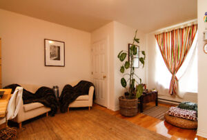 4 1/2 in NDG, walking distance to Vendome metro