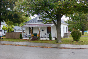 GREAT INVESTMENT OPPORTUNITY OR STARTER HOME Kitchener / Waterloo Kitchener Area image 1