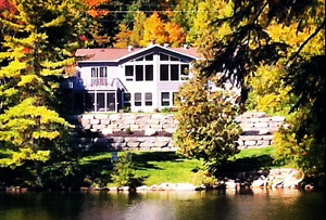 Waterfront Dream Home 35 Mins to Ottawa - possible in law suite