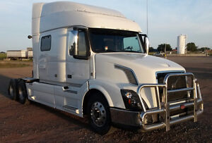 2014 VOLVO 730 WITH EXTENDED GOLD WARRANTY