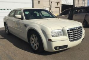2007 Chrysler 300 Touring/ 6 months powertrain warranty.