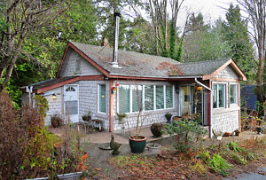Quaint cottage chic in Gibsons