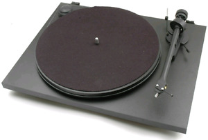 Pro-Ject Essential II (2) Turntable in Black